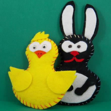 How to make stuffed felt names needle and thread crafts aunt tip make stuffed felt animals publicscrutiny Gallery