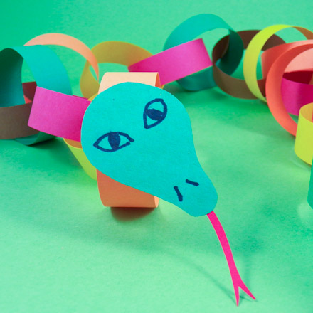 Make a Circly Paper Chain Snake - Friday Fun Craft Projects - Aunt ...