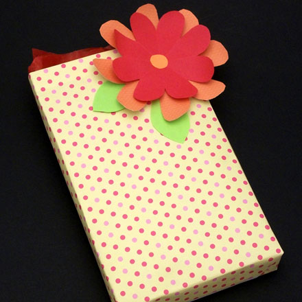 How to make paper flowers friday fun aunt annies crafts decorate gifts with paper flowers mightylinksfo