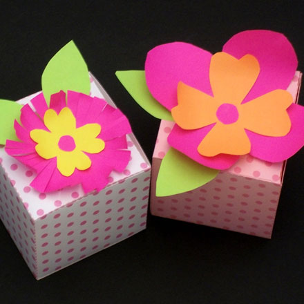 How To Make Paper Flowers Friday Fun Aunt Annies Crafts