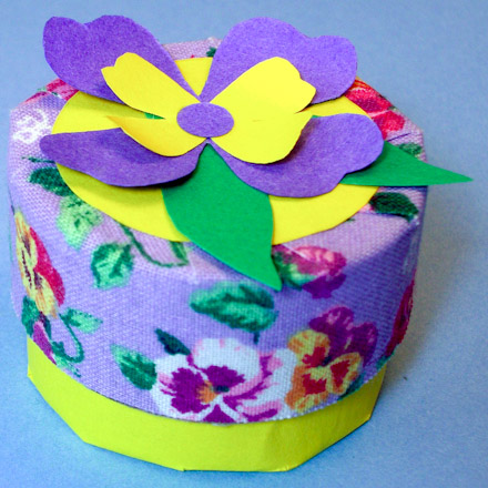 Make a trinket box from recycled tubes friday fun aunt for Application box decoration