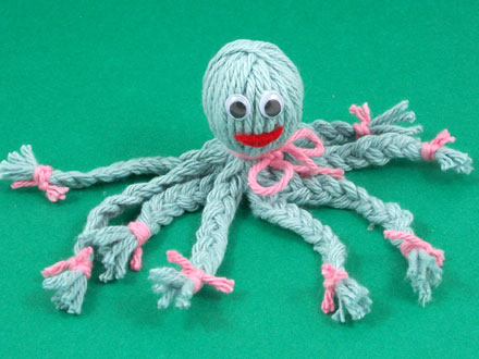 How to make a yarn octopus friday fun craft projects for Craft with woolen thread
