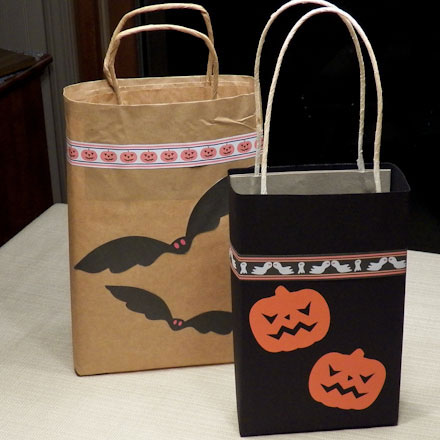 How to Make Easy Trick or Treat Bags - Halloween Crafts - Aunt Annie's  Crafts