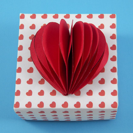How To Make A 3 D Heart Valentine Valentine S Day Crafts Aunt