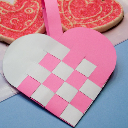 How To Make Woven Paper Heart Baskets Valentine S Day Crafts